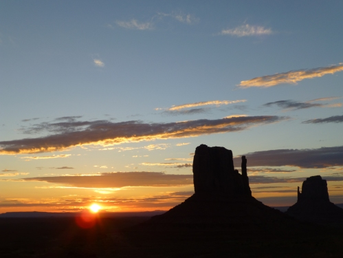 Monument valley, left mitten, sunrise